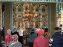 """De Hramul din acest an, când se sărbătorește """"Nașterea Maicii Domnului"""", la biserică au fost prezenți mai puțini creștini ca în alți ani"""