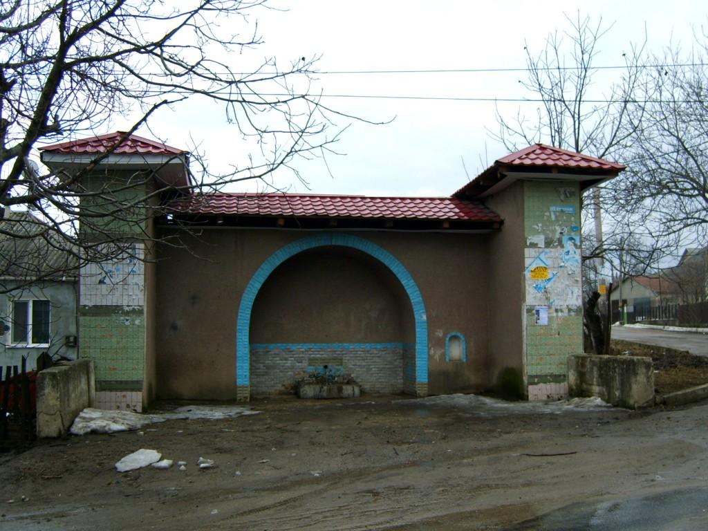 [Apel] Renovarea izvorului din centrul satului